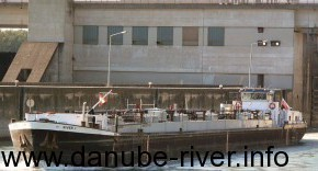 rp_RIVER-I_01-300x156.jpg