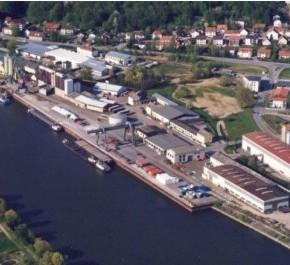 Порт Деггендорф на реке Дунай Германия