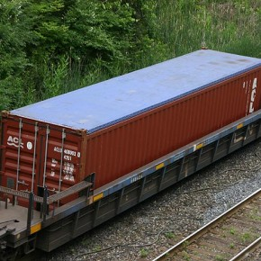 перевозка контейнера на платформе