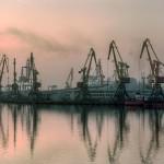 Шести месяцев и восемнадцать государственных морских портов Украины.