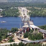 Власти сконцентрируют внимание  на сооружение  двух мостов в Запорожье и Киеве.