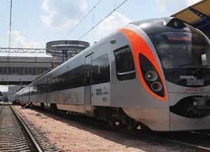 Киев-Львов  железнодорожный поезд Хюндай